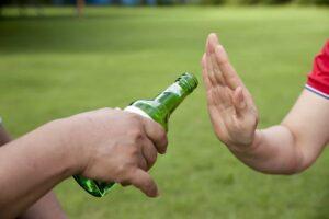 jak odmawiać alkoholu i używek?