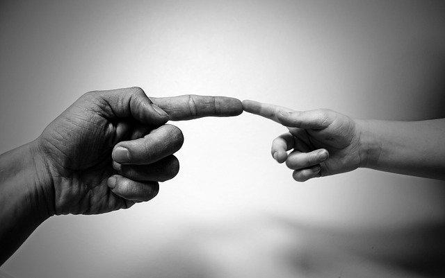 Analiza transakcyjna w psychoterapii uzależnień: dziecko, dorosły, rodzic, czyli kogo nosimy w sobie.